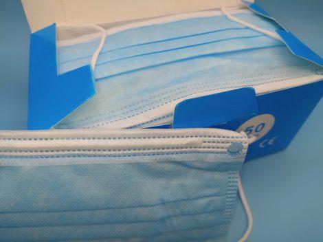 Sebészeti szájmaszk, gumis, kék